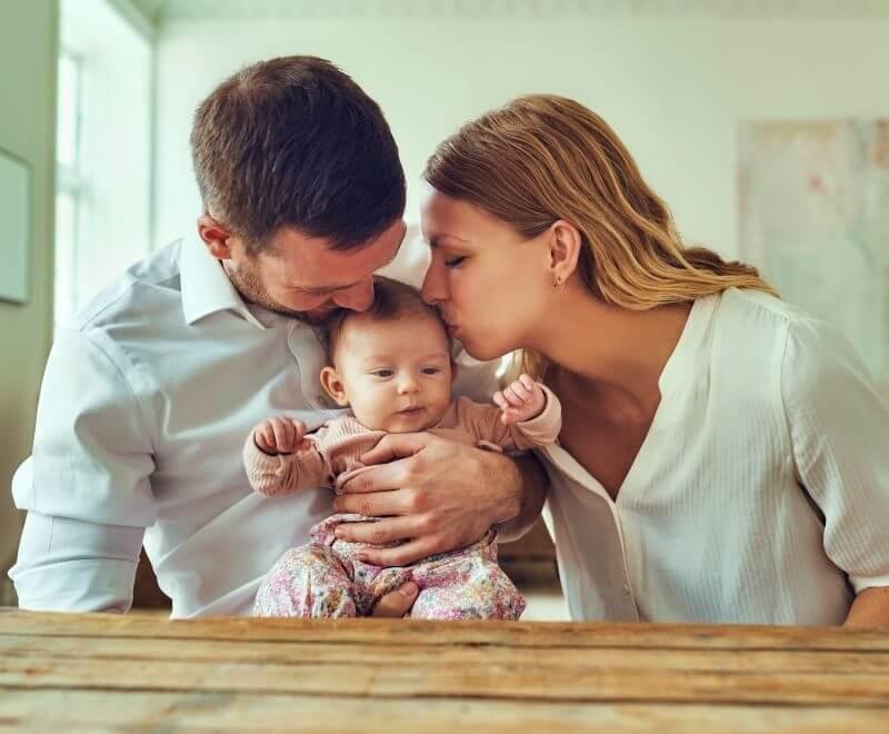 coppia con figlio serena casa nuova